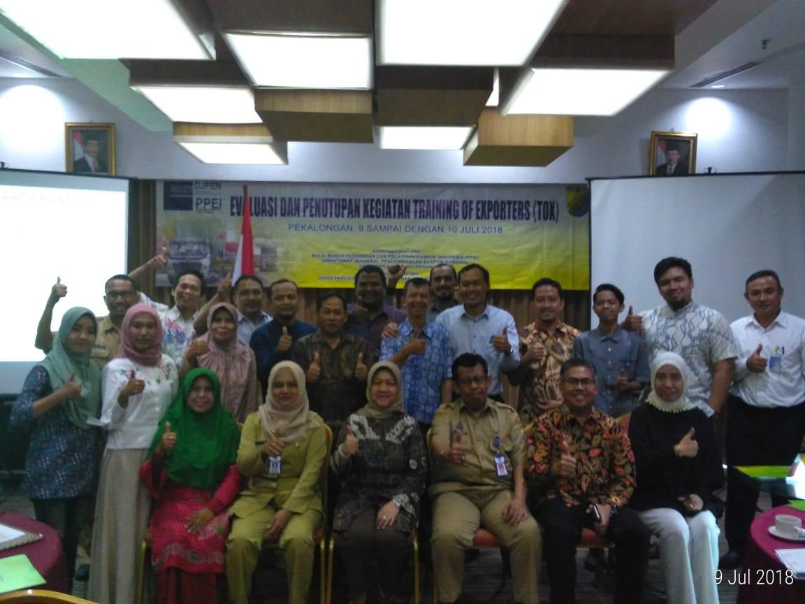 Evaluasi dan Penutupan Training of Exporters (TOX) di Kota Pekalongan