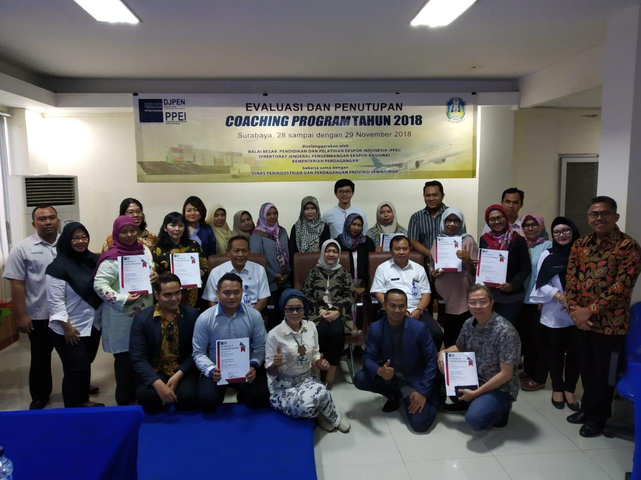 Evaluasi dan Penutupan Training of Exporters (TOX) Jawa Timur di Surabaya