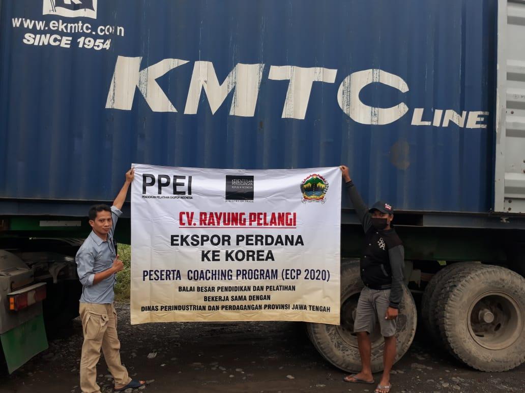 Peserta Export Coaching Program dari Purbalingga Jawa Tengah Sukses Ekspor Produk Sapu Rayung ke Korea Selatan di Saat Pandemi Covid-19